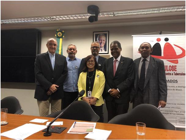 Professor do PPGCS participou do lançamento da Frente Parlamentar de Luta Contra a Tuberculose